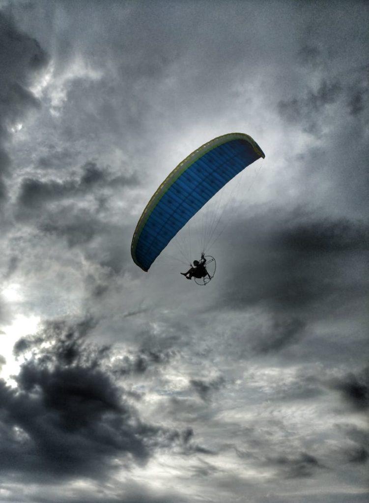 paramoteur électrique skywalker vu en vol