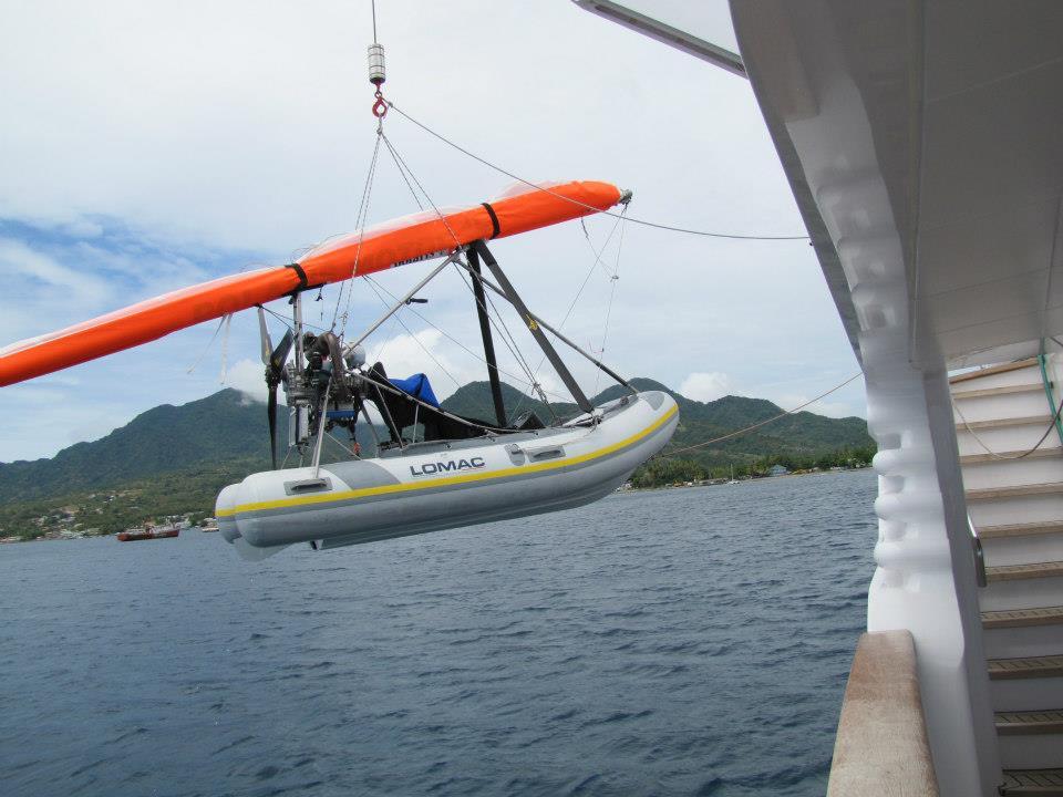 mise à l'eau du new polaris 2020 depuis le pont du yacht